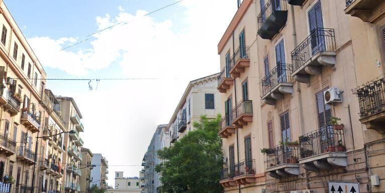 2021-05-11 16_11_36-25 Via Carlo Pisacane - Google Maps